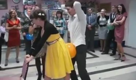 Конкурсы с воздушными шариками на свадьбы 96